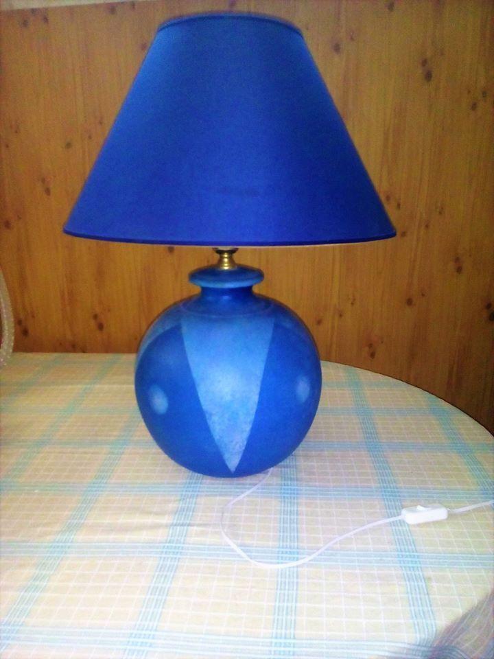 LAMPADA BLU CON SUPPORTO SOTTO DI CERAMICA
